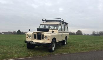 *Verkocht* Land Rover Serie IIa uit 1971. 2.25l benzine/LPG. 9 persoons, blijvend belasting vrij RHD full