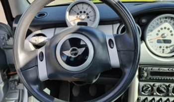 *verkocht* Mini Cooper 116 pk met Panoramadak en 17″ zwarte lichtmetalen velgen full