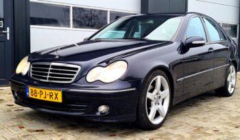 *verkocht* Mercedes-Benz C180 Avantgarde | 2004 | Youngtimer | Trekhaak | APK 07-2021 | full